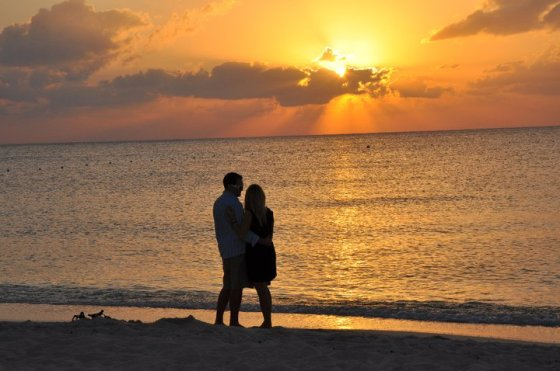 Could there be a prettier sunset or a more perfect proposal?